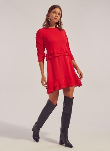 Monamoda Bel Detaylı Eteği Çift Kat Şifon Elbise Kırmızı